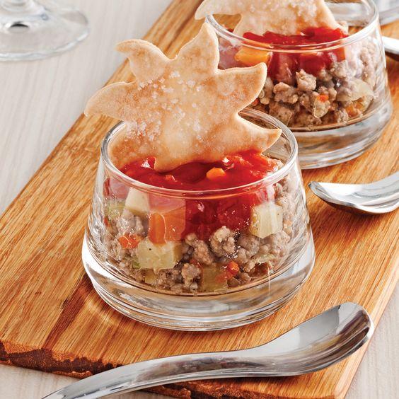 Épatez vos invités avec cette savoureuse version réinventée du traditionnel pâté à la viande!