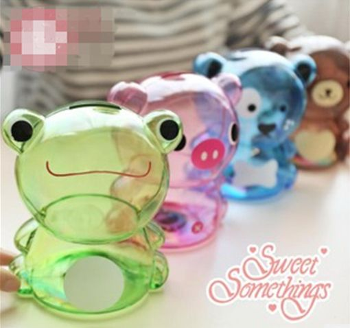 Money saving pot! It is great for teach your kids to save their money and great for adults to keep count of their coins. There are many modelling for you to choose from,such as a frog,bear,pig etc.This saving jar is transparent, so you can clearly see the money inside you saved. $2.60 #piggybank #frog #theme #oneofakind #giveaway #tradeshow