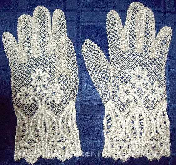 guantes blancos