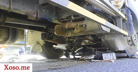 Tai nạn hai nam thanh niên bị xe tải quấn vào gầm