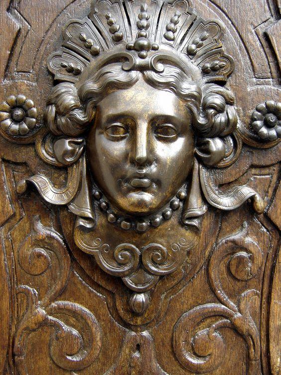 Door, Paris