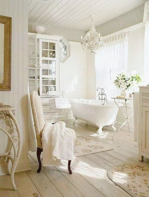 French Country Bathroom With A Claw Foot Tub Architecture