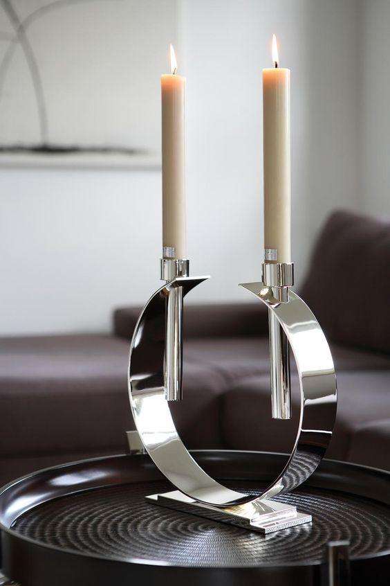 Versilberter Kerzenleuchter LUNA, 2-flammig, anlaufgeschützt. http://www.deSaive-deSign.de/Silberleuchter-LUNA…