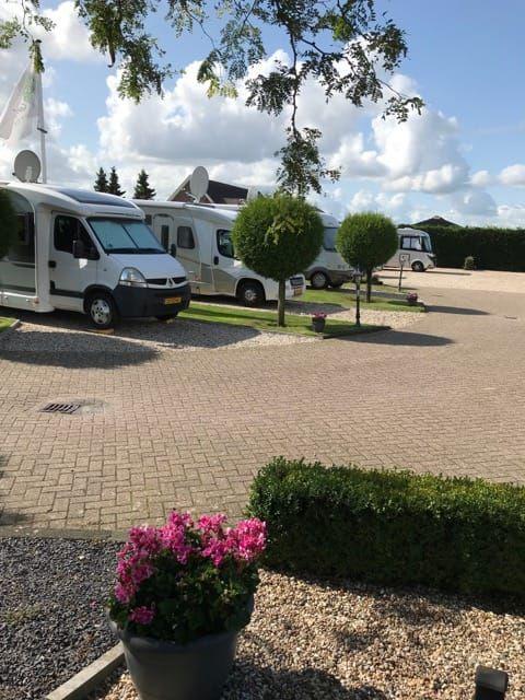 Camperplaats Werkhoven | Aan Het Dorp | Camperplaats, Reizen, Vakantie