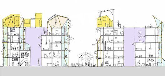 As adições e mudanças internas resultam em um edifício com uma variedade muito maior de espaços. Imagem cortesia de Improvistos Nunca Vistos (María Tula García Méndez & Gonzalo Navarrete Mancebo)