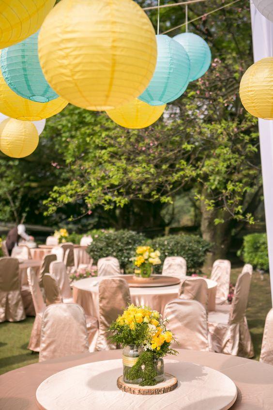 outdoor wedding table mint and lemon yellow wedding