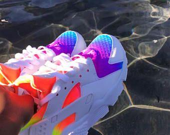 Ayakkabılar panosundaki Pin
