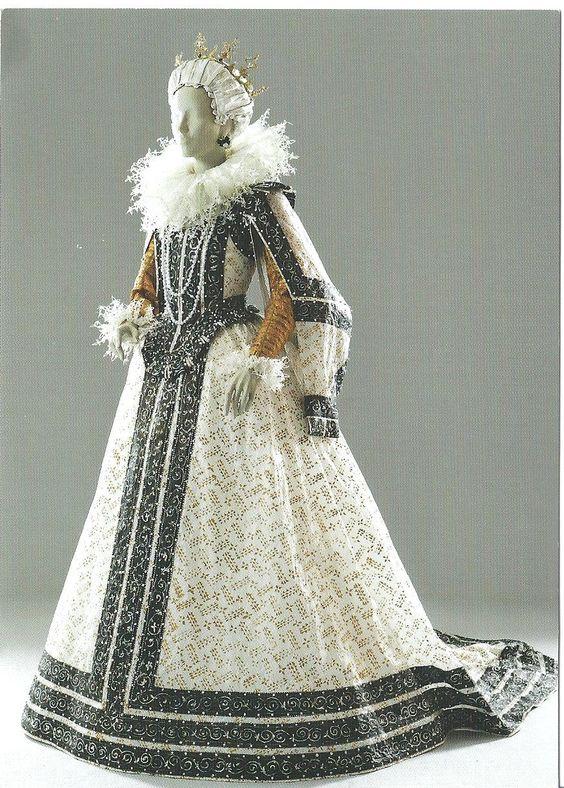 isabelle de borchgrave paper dresses | Plethora of Postcards: Art Series - Paper Dresses
