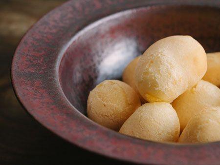 Como fazer o pão de queijo perfeito | Paladar