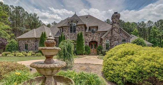 $1,690,000, 4 beds, 3.5 baths, 4377 sq ft - Contact Kelly Farfour, Wilkinson ERA, 704-617-1027 for more information.