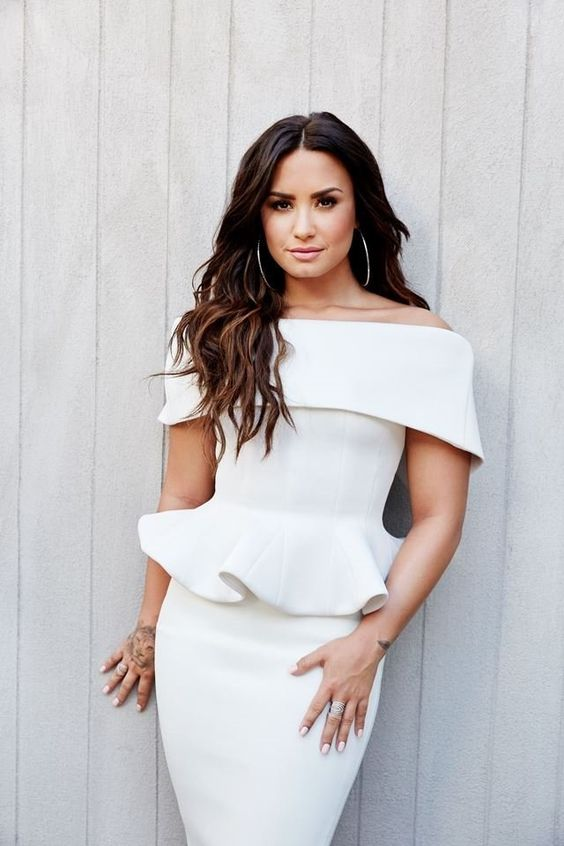People - People Magazine 2017 - Demi Lovato Pictures