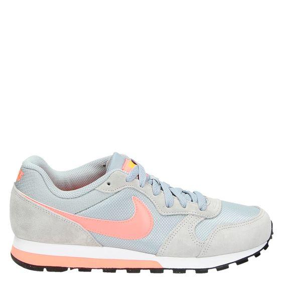 Nike sneakers bij Nelson (met afbeeldingen) | Schoenen, Nike