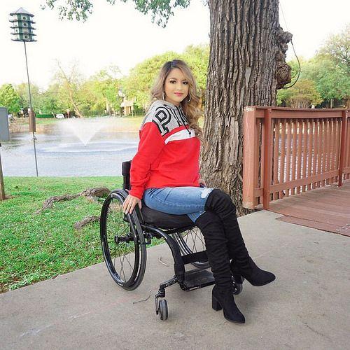 Stories wheelchair devotee Paradevo's Devotee
