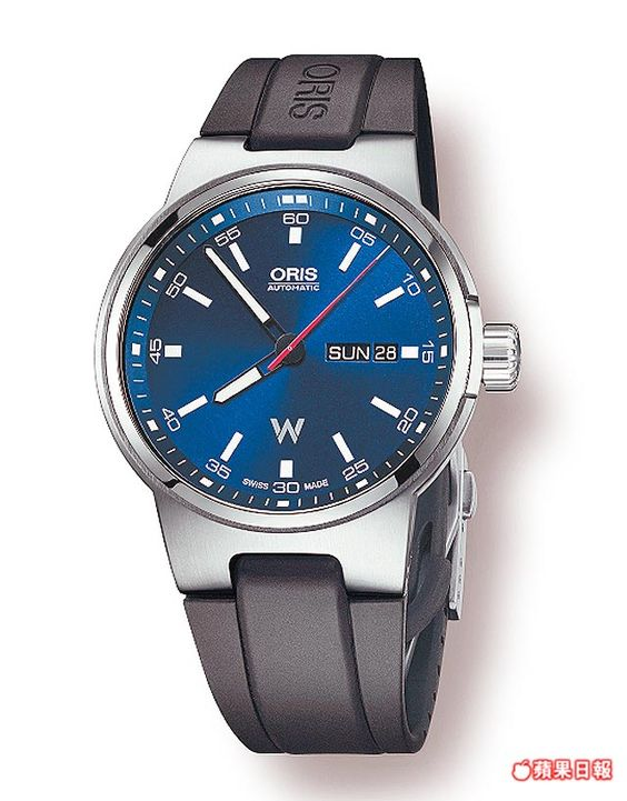 ORIS Williams星期日曆錶,全新車隊標誌也呈現錶面。 3萬6000元