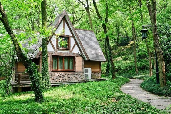 Build a Completely Off-the-Grid, Self-Sustaining Home   #lifeadvancer   @lifeadvancer