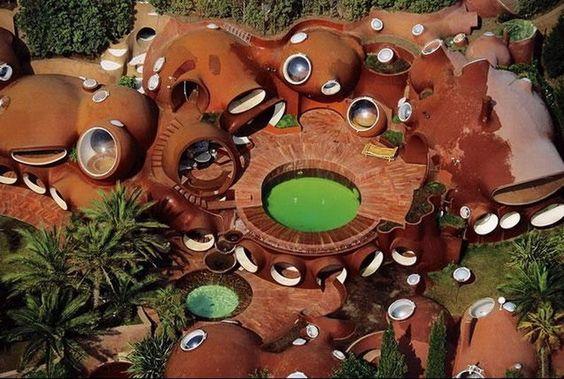 pontos de interesse: casa bolha do Pierre Cardin