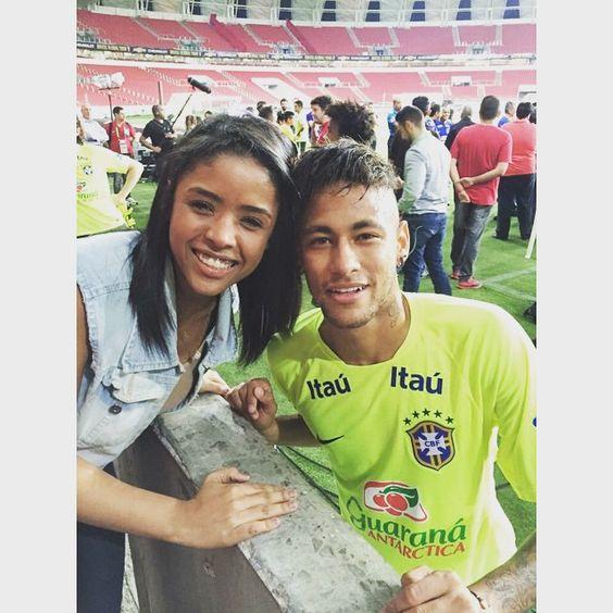 Neymar & Vitoria Costa, der Schwester von Douglas Costa (09.06.2015)#repost #instagram @vitcosta_ coisa mais querida brother hahahahaa