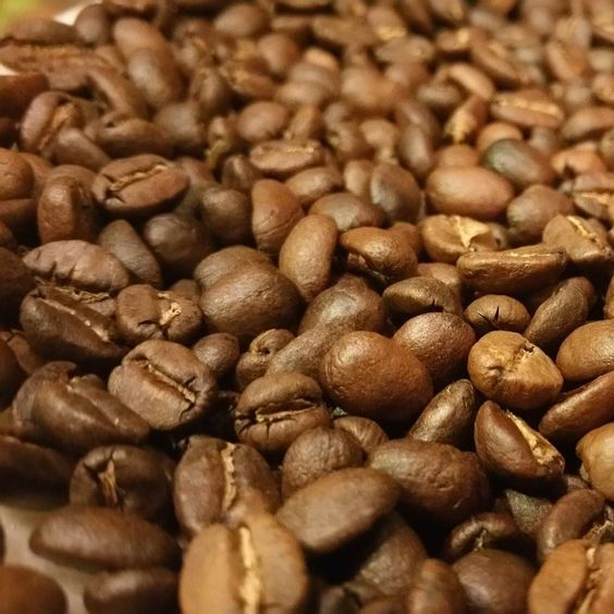 Colombian !! #questforthebestcoffeearound #practicemakesperfect #noego #coffeetime #coffee #coffeeholic #coffeelovers #coffeeart #coffeebeans #roaster #coffeeroaster by floridastylepizza