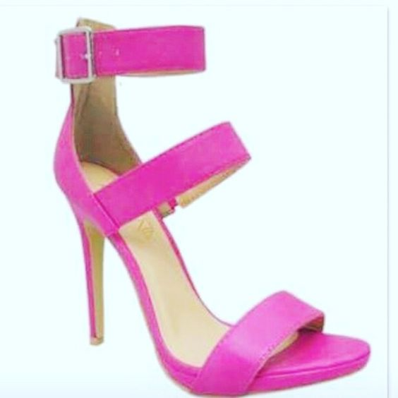 Make an offer Make an offer. This is a separate listing for size 7.5. Please refer to original listing for details. Shoes