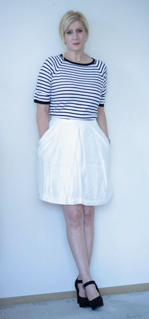 Dana loves fashion and music: White and stripes