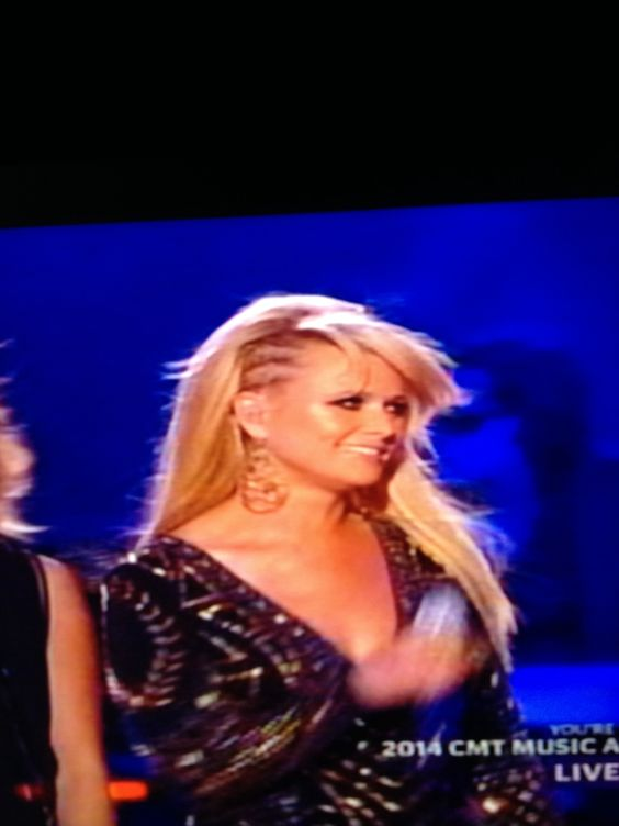 Miranda's hair CMT awards 2014