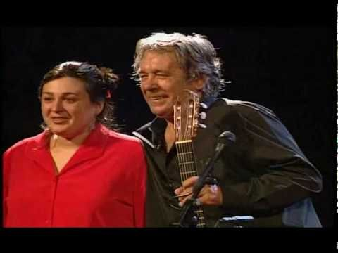 Paco Ibáñez y su hija cantan a Lorca en 'Mi niña se fue a la mar'.
