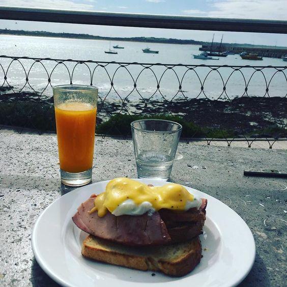 #Repost @sjtindall  When breakfast is on point  #beach #foodporn #eggs #benedict #pavillion #warrnambool #couchlife #beach #destinationwarrnambool #warrnamboolbreakwater #pavilion3280 #eat3280 by destinationwarrnambool