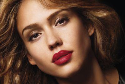 J-19 : Rouge à lèvres, Rouge toujours