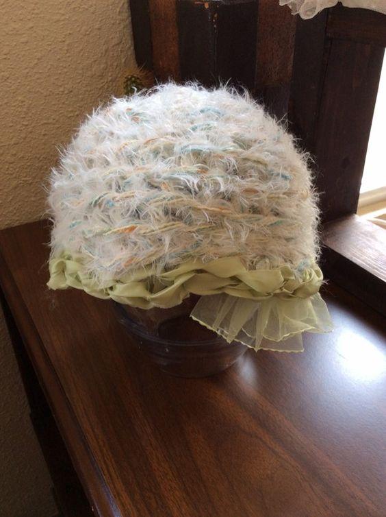 ご覧頂きありがとうございます。サテンリボンと毛糸で作ったデザインニット帽です。寝癖頭にはすごく重宝致しますよね〜。サイズは平置きの状態で横29cm×... ハンドメイド、手作り、手仕事品の通販・販売・購入ならCreema。