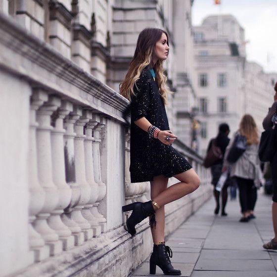 London Fashion Week - Day 4 (by Anouska Proetta Brandon) http://lookbook.nu/look/4024498-London-Fashion-Week-Day-4