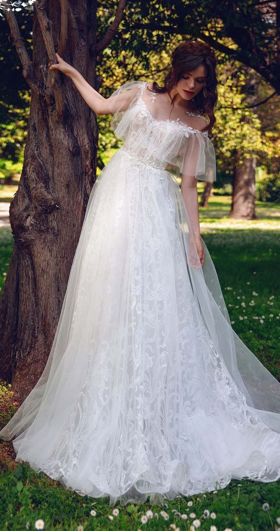 that desire wedding dress with elegant and minimalist style