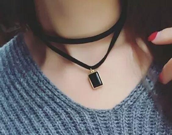 NWOT Black pendant Layered Choker