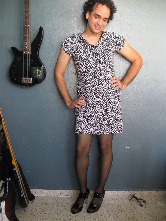 Musicians Know How To Dress Gender Fluid Fashion Men Wearing Dresses Men Dress Up