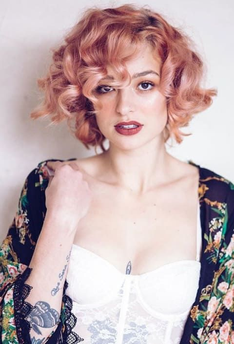 15 Short Hairstyles That Will Inspire You To Chop It All Off Womens Hairstyles Thick Hair Styles Vintage Curls