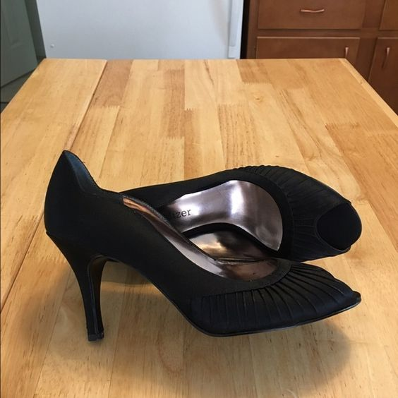 🎄😍🎄Black  high heeled shoes 👠 Gorgeous black satin high heeled shoes by Naturalizer. These shoes were worn once to a Christmas party and are in excellent condition. There is a little wear on the bottom that is shown in the picture. Naturalizer Shoes Heels