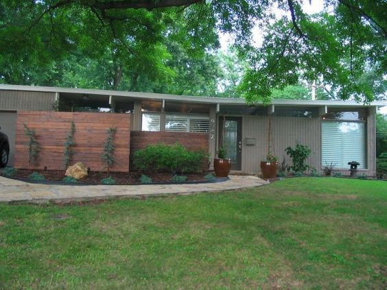 Mid century modern exterior mid century modern mania for Mid century modern home exterior
