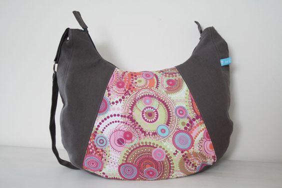 Schultertaschen - Tasche Zeeland in Hippie-Design - ein Designerstück von clode-unikate bei DaWanda