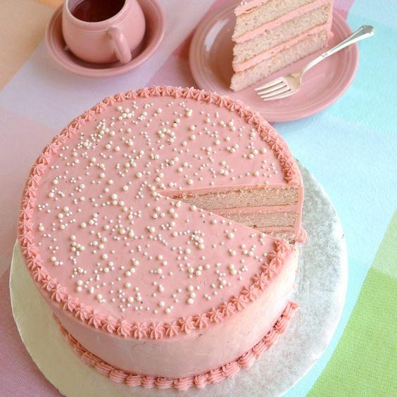 strawberry-kiss-cake