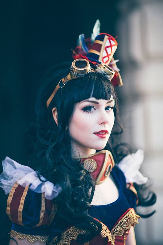 steampunktendencies.  Steampunk Snow White  Cosplay : Tenkou Cosplay  Photo : Carl Oscar Photograp