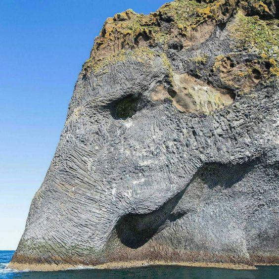 "#odin2828 #nuestroplaneta island of Heimaey ""Elephant Rock"" Iceland [ 2138 X 1537 ] photo by [unkown]"