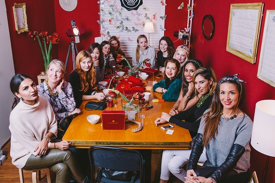 A #Glossy Night with #Glossybox. #Pearlsandgirls #diy #fasheria #fashion #fashionblogger #bloggerlife #christmas