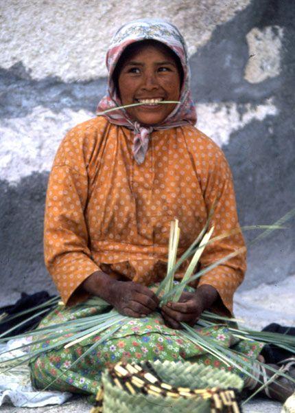 tarahumara-weaver.jpg (430×601)