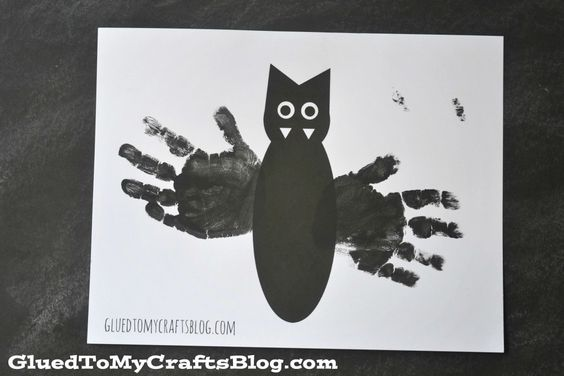 Handprint Bat w/Free Printable Template