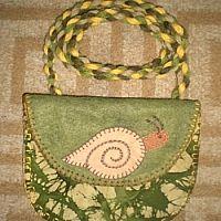 Small bags in dark green