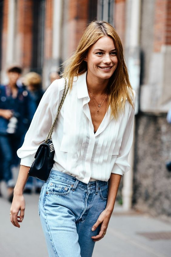 Camisa blanca + mom jeans #levis. #tendencias: