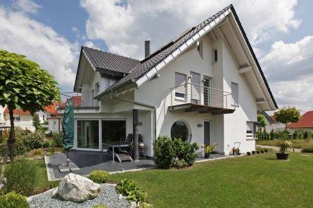 Hinterlüftete oder verputzte Fassade: Mit Polyurethan Energie sparen - http://k.ht/nlN