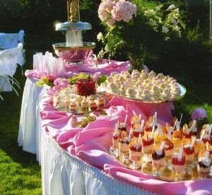 Love the table skirt with the material on top of the table for the display!!! Great way to diy for catering.: