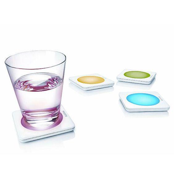 Verleihen Sie mit diesen dekorativen Glasuntersetzern mit farbigen LEDs jedem Drink das gewisse Etwas.