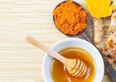 Além de ajudar a combater a degeneração óssea fortalece o sistema imunológico. Use este Remédio com açafrão e mel para reduzir a dor nas articulações