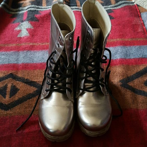 Awesome metallic combat boots! Very cool metallic combat boots. Unique! CA Shoes Combat & Moto Boots